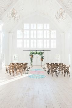 Gorgeous White Sparrow Barn ceremony: http://www.stylemepretty.com/texas-weddings/quinlan-texas/2016/06/16/a-chance-encounter-inspired-this-bright-boho-editorial/ | Photography: Rachel Elaine Photography - http://www.photographybyrachelelaine.com/