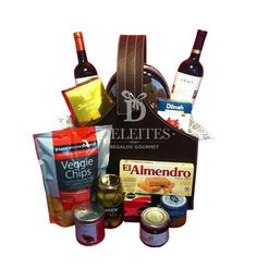 Red Wine Gourmet Basket www.deleites.cl