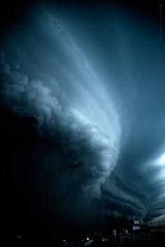 """El cielo antes de la lluvia"" 25-07-2011 6:00 PM (Buenos Aires - Argentina) by Julian Larralde, via Flickr"