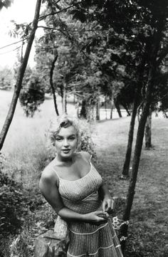 Image uploaded by Marilyn, dear. Find images and videos about black and white, Marilyn Monroe and marilyn on We Heart It - the app to get lost in what you love. Brigitte Bardot, Classic Hollywood, Old Hollywood, Hollywood Stars, Hollywood Hills, Hollywood Actresses, Fotos Marilyn Monroe, Marylin Monroe Body, Marilyn Monroe Outfits