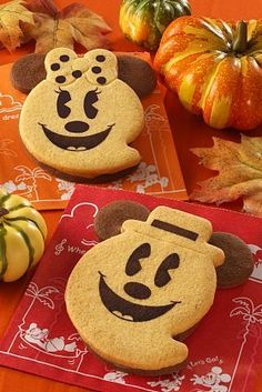 Mickey and Minnie Ghost Cookies at Tokyo Disneyland Halloween 2012