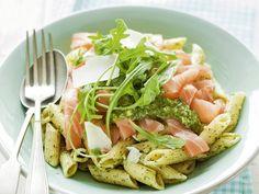 Penne met gerookte zalm - Libelle Lekker Fish Recipes, Veggie Recipes, Pasta Recipes, Vegetarian Recipes, Cooking Recipes, Healthy Recipes, Healthy Cooking, Healthy Eating, Healthy Food