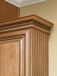 Rope crown moulding universal molding with light lowes canada Kitchen Cabinet Crown Molding, Door Molding, Kitchen Cabinet Design, Crown Moldings, Classical Kitchen, Armoire, Wooden Wardrobe, Kitchen Doors, Cabinet Decor