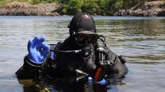 Exclusive: Scuba divers can now post to Facebook from the bottom of the ocean -> http://www.techradar.com/1327193  Scuba divers can now post to Facebook  Deep below the surface of Europe's largest lake Vänern in Sweden Anders Brodin reaches for his diving