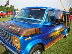 Don and Becky Noone Resurrect 1976 Ford Van from 18 Year Slumber Tow Truck, Pickup Trucks, Love Box, Panel Truck, Cool Vans, 70's Style, Vintage Vans, Custom Vans, Cool Trucks