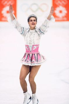 The 30 Best Figure Skating Outfits of All Time Katarina Witt, Figure Skating Outfits, Figure Skating Costumes, Figure Ice Skates, American Athletes, Winter Olympic Games, Skate Party, Women Figure, Figure Skating