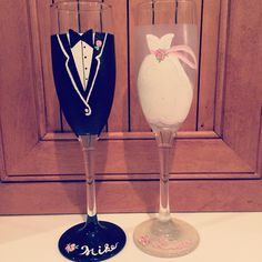 Hand painted bride and groom champagne glasses! Hand painted wine glasses Bride gift  https://www.etsy.com/shop/Buttonwoodboutique