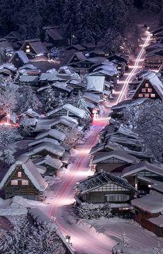 Night view of Shirakawa-gō, Gifu, Japan   by Wataru Yoshino