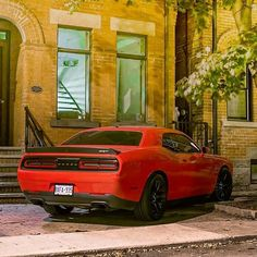 Mind the Hellkitty on the stairs.  #ItsWhiteNoise #Dodge #Hellcat @esas_photography