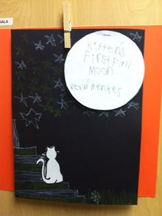 Kitten's First Full Moon. The moon is a flip book with beginning, middle and end written on it. Preschool Themes, Toddler Preschool, Toddler Crafts, Moon Activities, Winter Activities, Kittens First Full Moon, Moon Unit, Spelling Ideas, Kevin Henkes