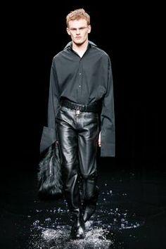 Balenciaga Ready To Wear Fall Winter 2020 Paris - Reality Worlds Tactical Gear Dark Art Relationship Goals Live Fashion, Fashion Show, Unisex Fashion, Mens Fashion, Shirt Tucked In, Male Magazine, Runway Fashion, Paris Fashion, Kanye West