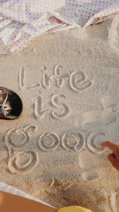 Life is good beach sand cute vsco photo idea Beach Aesthetic, Summer Aesthetic, Story Instagram, Photo Instagram, Summer Feeling, Summer Vibes, Shotting Photo, Ft Tumblr, Summer Goals