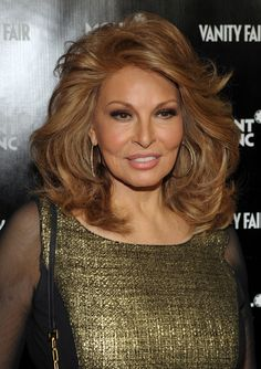 Raquel Welch – âge 71….I'm going to start pinning 70 years and older