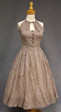 1950's Brown Gingham Keyhole Halter Sun Dress (Love the fit of the top half...very cute)