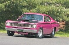 Plymouth - Pink and Black 1970 Duster Old Muscle Cars, Dodge Muscle Cars, American Muscle Cars, Dodge Duster, Plymouth Duster, Classic Hot Rod, Classic Cars, Plymouth Muscle Cars, Plymouth Valiant