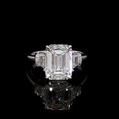 Dream Engagement Rings, Three Stone Engagement Rings, Engagement Ring Cuts, Diamond Wedding Rings, Pear Shaped Diamond, Love Ring, Beautiful Rings, Ring Designs, Watch