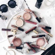 Uploaded by eunoia. Find images and videos about tumblr, beauty and makeup on We Heart It - the app to get lost in what you love.