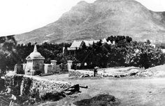 The Hurling Swaai Water Pump in Prince Street, Oranjezicht | Photographed in 1875