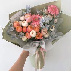 Bunch Of Flowers, Little Flowers, My Flower, Beautiful Bouquet Of Flowers, Colorful Flowers, Beautiful Flowers, Sweet 16 Centerpieces, Luxury Flowers, Flower Aesthetic