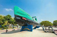 Menelusuri Obyek Obyek Wisata di Surabaya 7 Obyek Wisata Paling Favorit di Surabaya - Punya rencana berkunjung ke kota Surabaya dalam waktu dekat? Yup tak salah jika anda menjadikan kota Pahlawan ini sebagai tujuan berlibur bersama keluarga