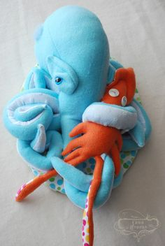 "Cuddles|16""h x 11""w x 7""d