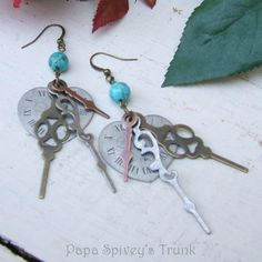 Absolutely gorgeous Steampunk earrings from Papa Spivey's Trunk on Zibbet!