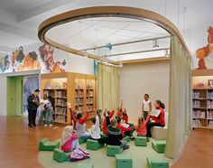A Play Space for Kids in the Learning Theater School Library Design, Kids Library, Classroom Design, Learning Spaces, Learning Centers, Bibliotheque Design, Kids Cafe, Kindergarten Design, Library Inspiration