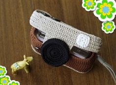 Crochet Wallet, Crochet Case, Diy Crochet, Crochet Toys, Crochet Videos, Knitted Bags, Phone Covers, Lana, Diy And Crafts