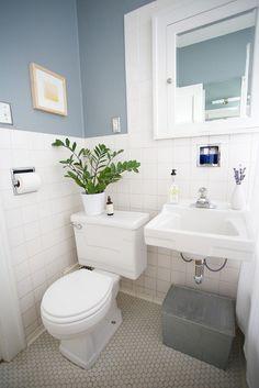 Pretty little Bathroom, Brewster Gray by Benjamin Moore - Bathroom color? Bathroom Floor Tiles, Bathroom Colors, Bathroom Ideas, Basement Bathroom, Downstairs Cloakroom, Downstairs Toilet, Family Bathroom, Tile Floor, Grey Bathrooms