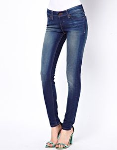 Levi's skinny jeans #McArthurGlenStyle