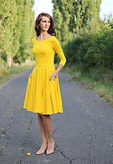 Šaty - Žlté šaty s kruhovou sukňou a vreckami - 7378047_