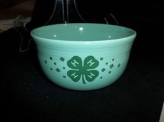 Fiesta GUSTO BOWL  4-H -  28 Ozs.  Retired Color SEAMIST with SHAMROCK Clover #HomerLaughlin