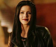 I actually think Felicity looked great as a brunette!