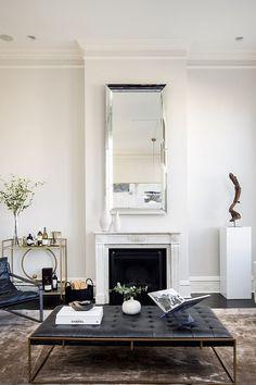 #livingroom | Penthouse raffiné avec une grande terrasse à New York | Ottoman - blog sur le design d'intérieur