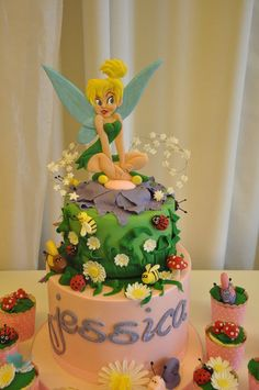 Tinkerbell Cake (make sml cupcakes surrounding cake w/ mushroom caps and daisies) Tinkerbell Birthday Cakes, Tinkerbell Party, Cupcakes, Cupcake Cakes, Kid Cakes, Beautiful Cakes, Amazing Cakes, Bolo Artificial, Fall Cakes