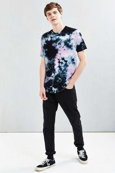 UO Crystal Wash Tee - Urban Outfitters