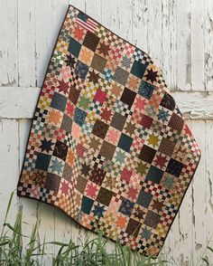 Civil War Remembered: 19 Quilts Using Reproduction Fabrics: Mary Etherington… Flag Quilt, Star Quilts, Scrappy Quilts, Mini Quilts, Patriotic Quilts, Quilt Blocks, Baby Quilts, Antique Quilts, Vintage Quilts