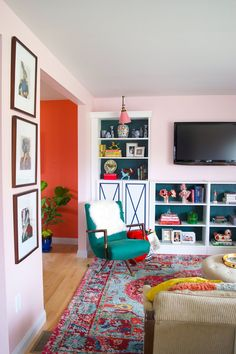 """Before & After: Believable """"Built-ins"""" That Are Actually Renter-Friendly & Removable"""
