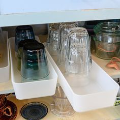 "Make ""drawers"" in your cupboards out of drawer organizers. That way you don't have to shuffle multiple cups around to get to the ones you want. Muji Storage, Smart Storage, Storage Spaces, Kitchen Organisation, Organization Hacks, Kitchen Storage, Kitchen Cabinet Drawers, Cupboards, Diy Rangement"