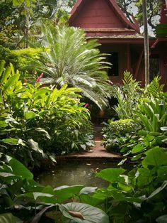 http://www.asie-voyages.com maison de Jim Thompson , Bangkok, Thailande