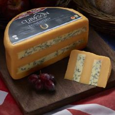 Long Clawson Hunstman - Layers Double Gloucester and Blue Stilton are combined by hand to make this exceptional cheese. Fromage Cheese, Queso Cheese, Wine Cheese, Goat Cheese, Fancy Cheese, Dairy Free Soup, Dairy Free Snacks, Dairy Free Recipes, English Cheese