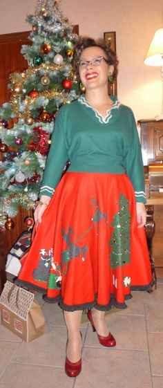 Christmas Skirt, Fifties Felt!  So much fun! ~ Mary Walds Place - 365 Vintage Days: 295. Merry Christmas!   Fintage