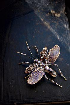Купить или заказать Mosquito Beetle Brooch в интернет магазине на Ярмарке Мастеров. С доставкой по России и СНГ. Материалы: бронзитовые бусины