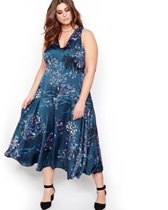 Choose a flowing and flattering dress that shows off your curves with its self-tie design. Featuring a bright flowery print, V-neck, and drop waist, enjoy this plus size dress from the RACHEL by Rachel Roy collection. Trendy Plus Size Fashion, Stylish Plus, Curvy Women Fashion, Womens Fashion, Plus Size Cocktail Dresses, Plus Size Dresses, Plus Size Outfits, Trendy Outfits, Addition Elle