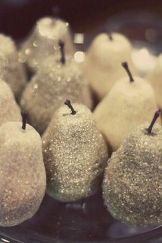 spray gold.......can use apples or pumpkins....Glitter Pears, Christmas Ornaments