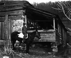 """Wooton, KY - WPA project, 1938 -- """"The Pack Horse Librarian in Kentucky is always a welcome visitor. She picks up books and magazines left on her previous monthly visit and leaves additional volumes on subjects as her client may desire. I Love Books, Good Books, Old Photos, Vintage Photos, Mobile Library, Horse Books, My Old Kentucky Home, Appalachian Mountains, Librarians"""