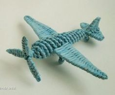 A faire avec les enfants : Magnifique petit avion en papier-journal! – L'Humanosphère