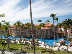 Opened in late 2008, the 600-room Majestic is newer, cleaner, and more modern than most all-inclusives on the island. Its giant pool,soft-sandbeach, great beds, nightly entertainment, and fun kids' club make it a popular choice among families on spring break.See Hotel Review.