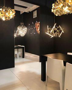 Final day of Euroluce2019 of @isaloniofficial  www.brandvanegmond.com #brandvanegmond #williambrand #chandelier #modernchandelier #hanginglight #sculpture #design #designer #light #MilanDesignWeek #salonedelmobile2019 #Milan #Milano #Design #Lighting www.brandvanegmond.com Decor Interior Design, Interior Decorating, Modern Lighting Design, Metal Curtain, Modern Chandelier, Wood Table, Hanging Lights, Decoration, Home Goods