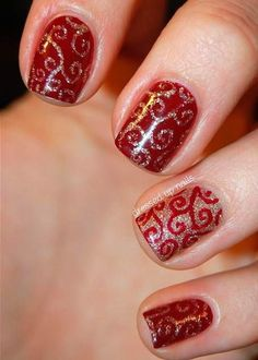 Ok. It's that time again. Time for Christmas Nail Art! While nail art is kind of not environmentally nor body friendly (it's paint we're putting on our bod
